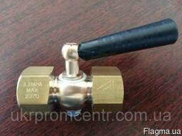 11Б18БК РУ2, 5МПА, 200С кран трехходовой с ручкой
