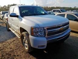 2013 Chevrolet Silverado, 5.3L 8, 260792 км, Crew Pic Белый