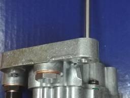 21067551 Помпа палива з довгим валом VOLVO FH / RVI ОЕ
