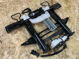 920421-103 - Моторчик регулировки сиденья Audi A8 (4H_)