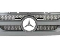 9437501418 Решітка радиатора Mercedes Actros