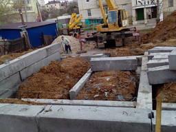 Фундаменти: бетонування монтаж блоків. кладка цегли. блочків. ..