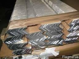 Алюминиевый уголок разносторонний АД31Т 50х30х2х6000мм