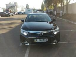 Аренда Toyota Camry с англоязычным водителем