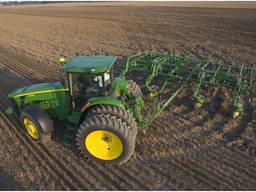 Аренда трактора: культивация, пахота, дисковка, посев.