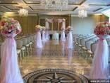 Арка, шары, цветы, чехлы, банты, организация свадьбы - фото 1