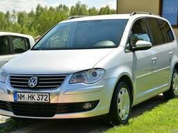 Б/у запчастини Volkswagen Touran капот бампер фара VW Тоуран