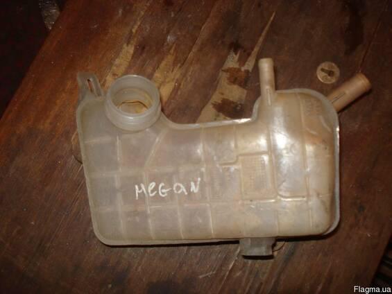 Бачок жидкости гу для Renault Megane 8200262036
