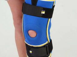 Бандаж на коленный сустав разъемный Алком 3052, 5, 6 размер, черный