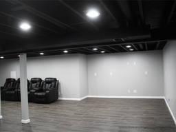Безвоздушная покраска потолка воздуховодов вентиляционных каналов в черный цвет