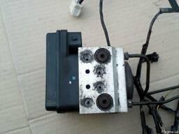 Блок АБС (Блок ABS) MN102451 на Mitsubishi L200 05-12 (Митсу