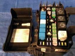 Блок предохранителей 91950-3K500 на Hyundai Santa FE 06-09 (