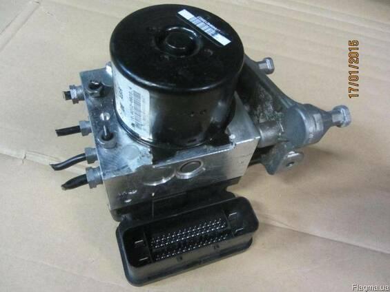 Блок управления ABS C-KL Mercedes W204 A1729014000