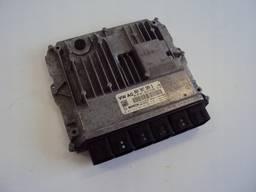 Блок управления двигателем Audi A5 Coupe 3. 0 TFSI.