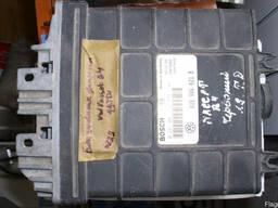 Блок управления двигателем Passat B4 028906021B