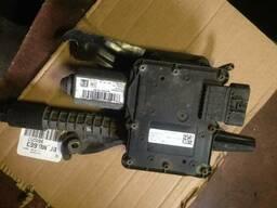 Блок управления стояночным тормозом 13505410 Opel Astra J