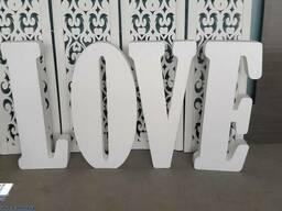 Большие объемные буквы LOVE из пенопласта под заказ