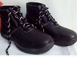 Ботинки из натуральной кожи с мягкой манжетой с наружным клапаном