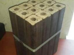Брикет из твердых пород дерева
