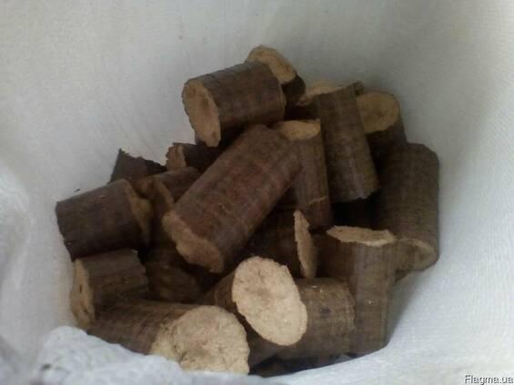 Брикет древесный дуб 100% Nestro