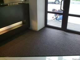 Брудопоглинаючий килим