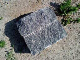 Бруківка колота з натурального каменю