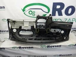 Панель приборов Renault Sandero 2008-2014 (Рено Сандеро), БУ-174657
