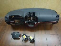 БУ Торпедо/накладка (Компоненты кузова) на Hyundai Santa Fe