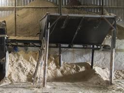 Бункер приймальний для сипучих матеріалів з транспортером