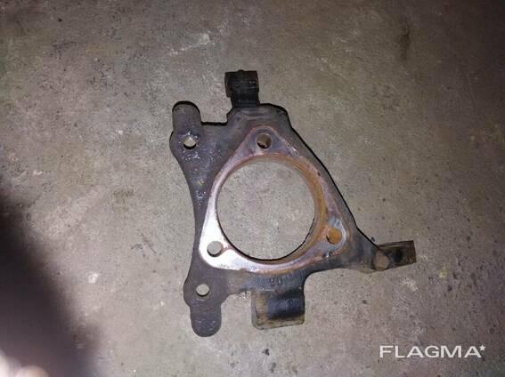 Цапфа рулевая Opel Zafira B 13197800 13197808