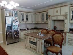 Продам квартиру с евроремонтом в Центре КОД 32951