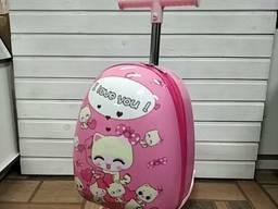 Чемодан самокат детский на 3-х колесах розовый Кити для девочки