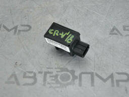 Датчик подушки безопасности задний лев Honda CRV 17- 77930-TLA-A01