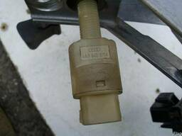 Датчик включения стоп-сигнала педали тормоза Audi A6 C5 (199