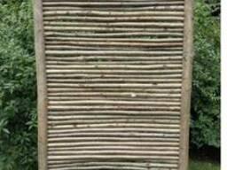 Декоративна ізгородь з ліщини.
