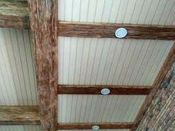 Декоративные балки из дерева на потолок, рейки деревянные.