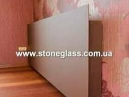 Декорирование стен стеклом