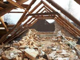 Демонтаж построек вручную