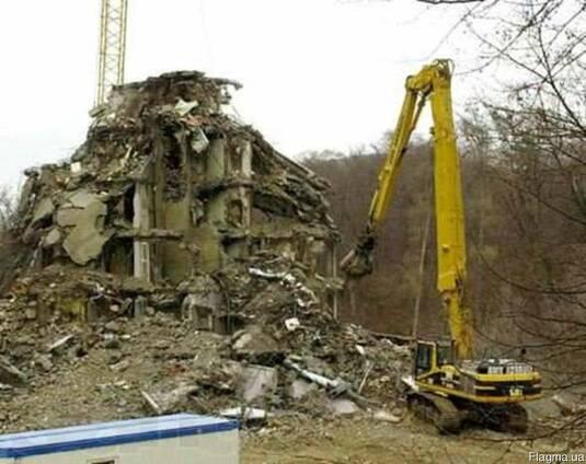 Демонтаж старих будинкiв вивіз сміття