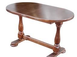 Деревянный стол для гостинной