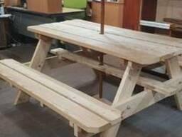 Деревянный стол для пикника