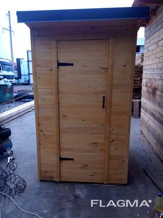 Деревянный туалет. Летняя душевая кабина.