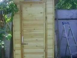 Деревяный туалет, душевые