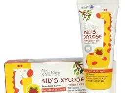Детская зубная паста с экстрактом клубники Xylose Kids Hanil