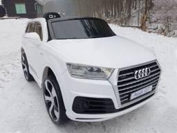 Детский электромобиль Audi Q7 Белая автопокраска