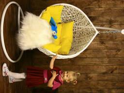 Дитячий крісло кокон куля з ротанга до стелі