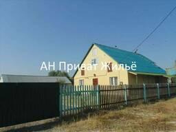 Добротный кирпичный дом 2003 года постройки с участком 30 соток в Полтаве