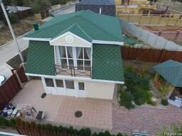 Дом новой постройки в бухте Казачья ул. Рубежная.