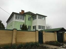 Дом с хорошим ремонтом.