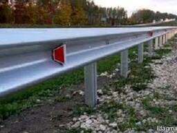 Дорожное ограждение барьерного типа различных типов